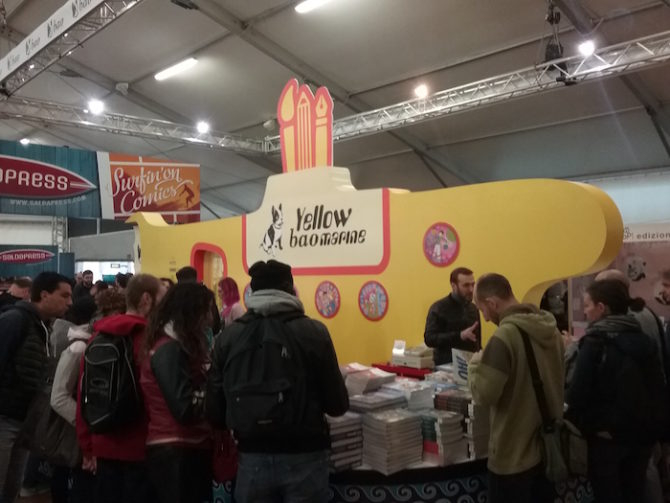 "Lo stando di Bao Publishing, a tema ""Yellow Submarine"" dei Beatles"