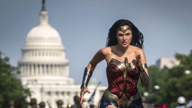 wonder woman 1984 rimandato film dc