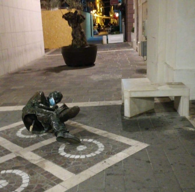 statua jacovitti termoli vandalizzata